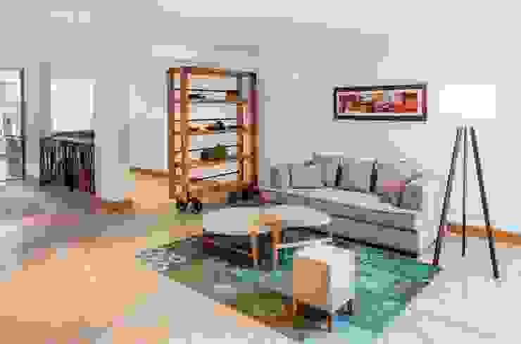 Pasillos, vestíbulos y escaleras modernos de LLACAY arquitectos Moderno