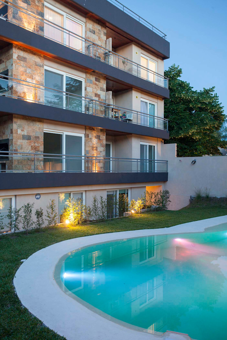 Jardines de estilo moderno de LLACAY arquitectos Moderno