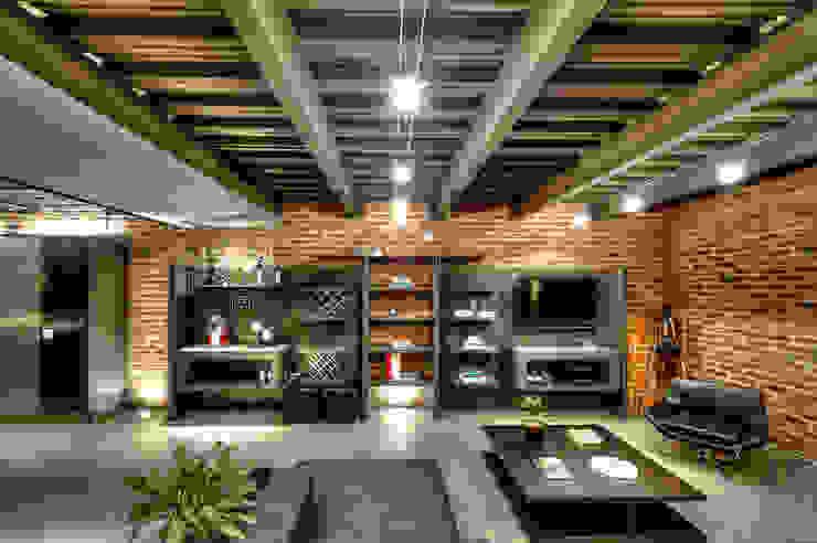 Casa Bugambilia:  de estilo industrial por Con Contenedores S.A. de C.V., Industrial