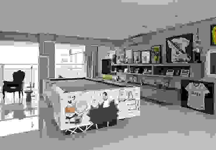 Moderne woonkamers van Lovisaro Arquitetura e Design Modern