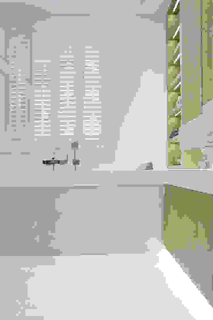 Salle de bain moderne par Chałupko Design Moderne