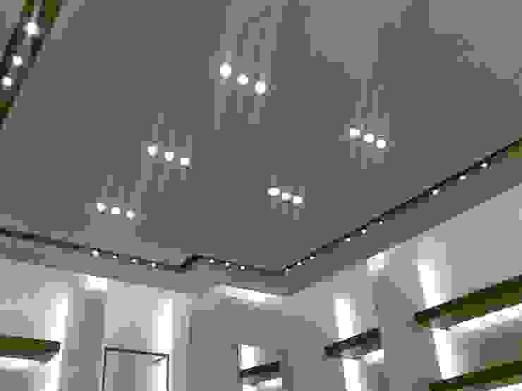 Pinturas oliváN Pusat Perbelanjaan Modern