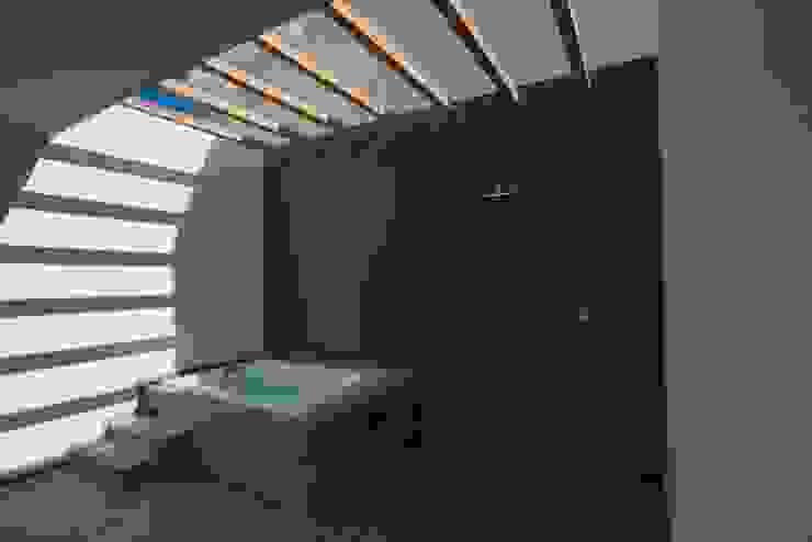 Balcone, Veranda & Terrazzo in stile  di JF ARQUITECTOS,
