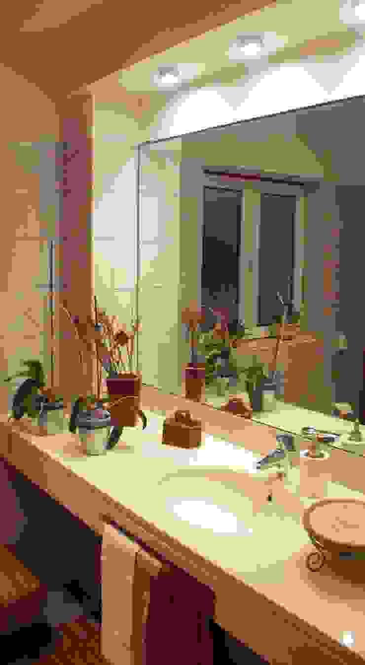 Moradia urbana no alentejo Casas de banho clássicas por AGUA-MESTRA, Lda; Clássico