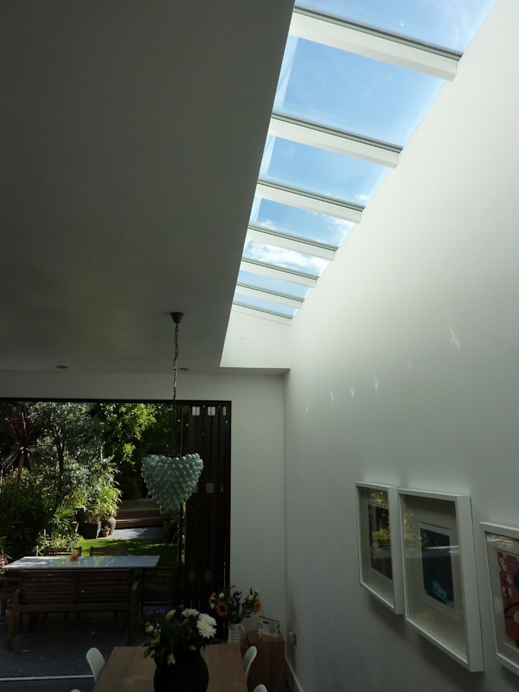 Rooflight by Gullaksen Architects Сучасний