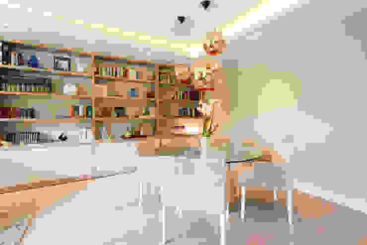 PISO MODERNO - BARCELONA PEDRALBES Comedores de estilo moderno de LF24 Arquitectura Interiorismo Moderno