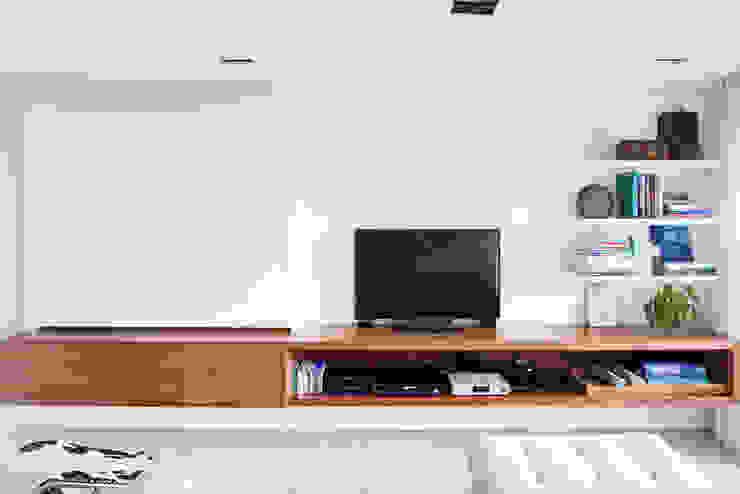 mmagalhães estúdio_Apartamento Parque Salas multimídia modernas por mmagalhães estúdio Moderno