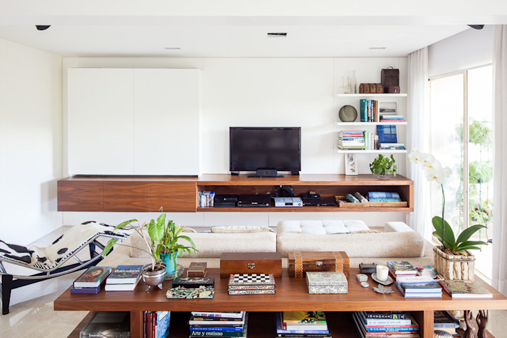 Salas multimedia de estilo moderno de mmagalhães estúdio Moderno