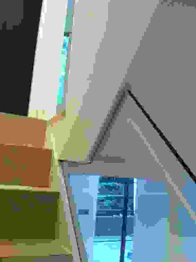 Stair Detail Gullaksen Architects Ingresso, Corridoio & ScaleScale