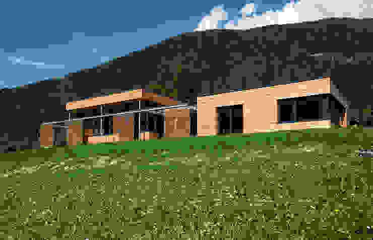 Casas estilo moderno: ideas, arquitectura e imágenes de pedit&partner architekten Moderno