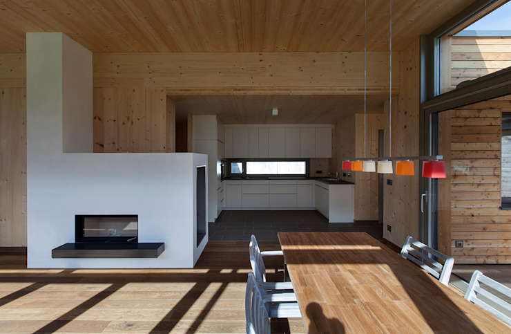 Comedores de estilo moderno de pedit&partner architekten Moderno