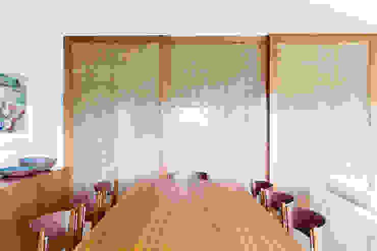 Comedores de estilo moderno de mmagalhães estúdio Moderno