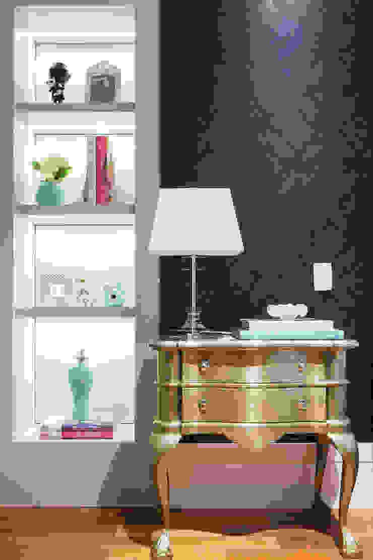 Apartamento P|B Quartos clássicos por Lodo Barana Arquitetura e Interiores Clássico