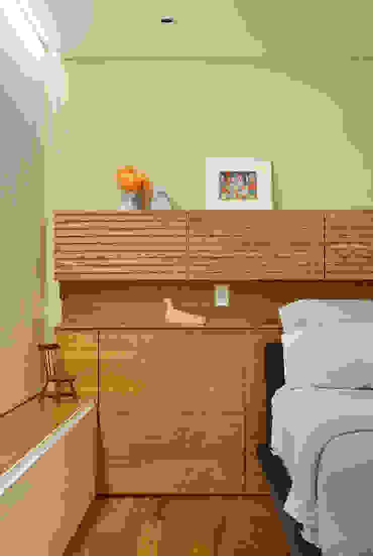 Cerejeira Agência de Arquitetura Modern style bedroom