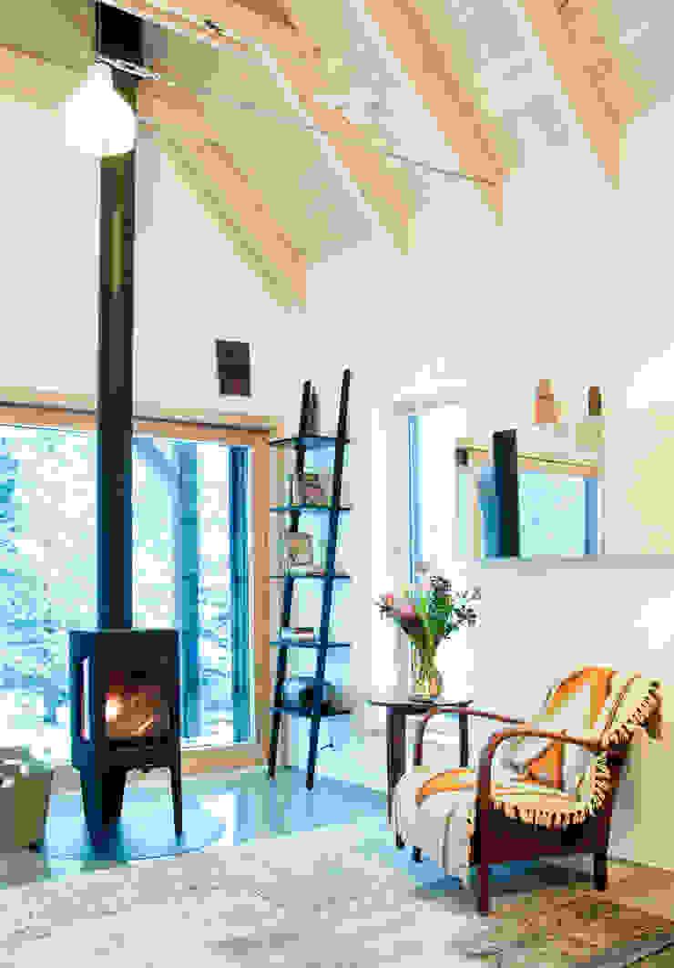 Część dzienna, zima Skandynawski salon od Magdalena Zawada Skandynawski
