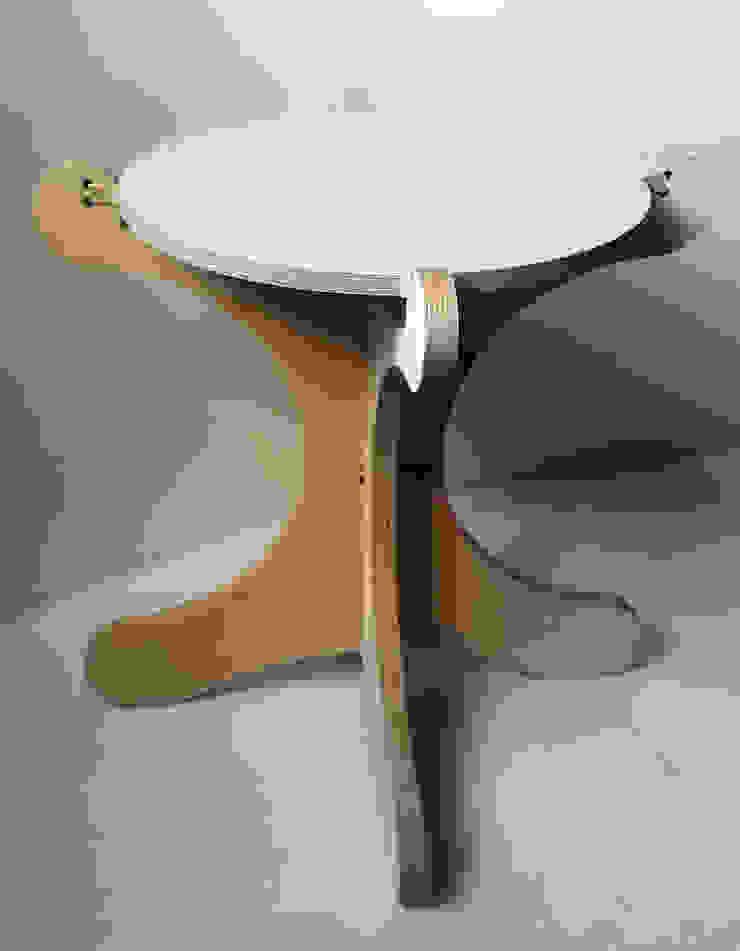 CHEN STOOL: scandinavian  by ANDRE VENTURA DESIGNER, Scandinavian