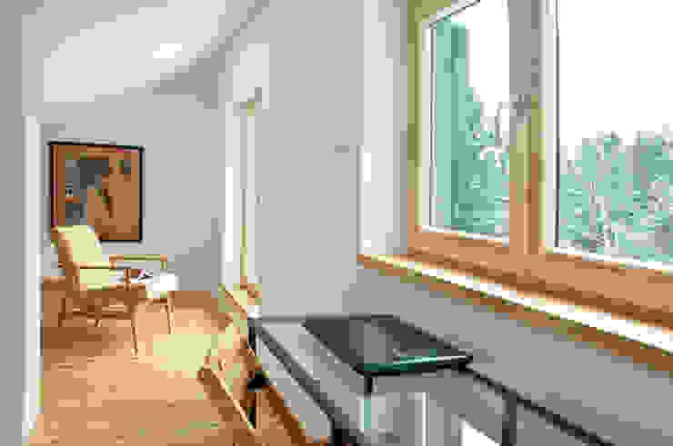 Poddasze, sypialnia Skandynawska sypialnia od Magdalena Zawada Skandynawski