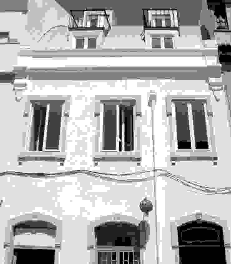 facade 12 (detail) por ARTE e TECTóNiCA, arquitectura e desenho Lda Eclético