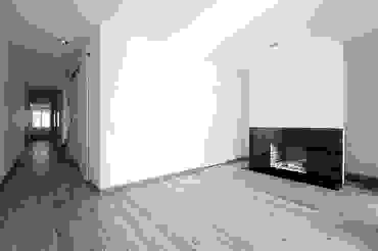 fireplace 16 por ARTE e TECTóNiCA, arquitectura e desenho Lda Eclético