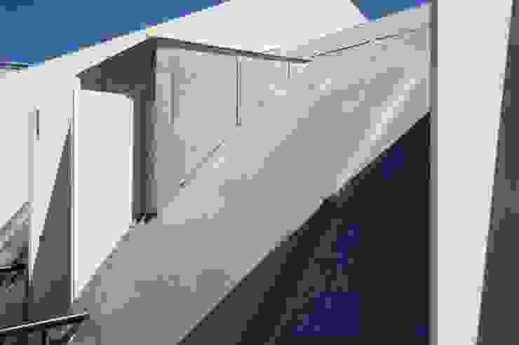 roof 06 por ARTE e TECTóNiCA, arquitectura e desenho Lda Eclético