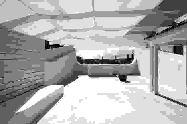terrace 17 por ARTE e TECTóNiCA, arquitectura e desenho Lda Eclético