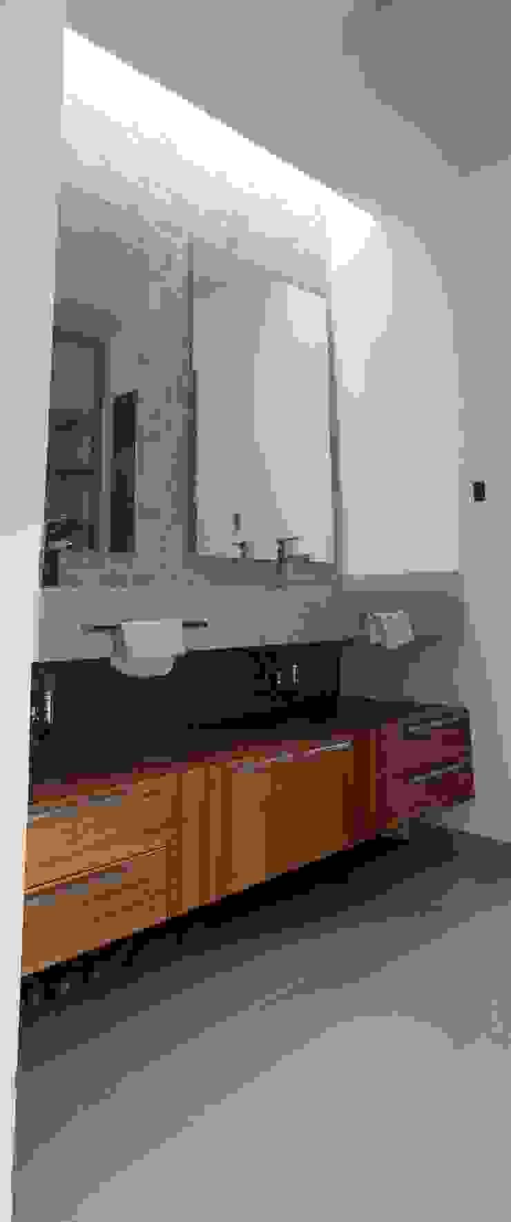 Lavabos Baño Principal Baños minimalistas de RTstudio Minimalista