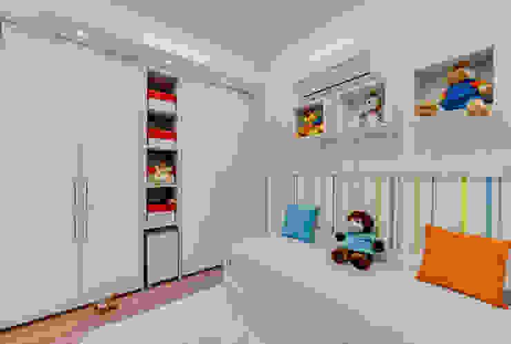 Cobertura Duplex Quarto infantil moderno por Lucia Navajas -Arquitetura & Interiores Moderno
