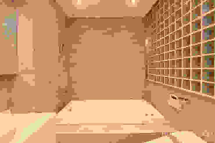 욕실: 홍예디자인의  욕실,모던