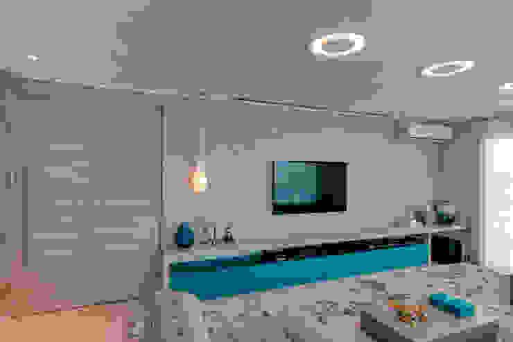 Lucia Navajas -Arquitetura & Interiores 现代客厅設計點子、靈感 & 圖片