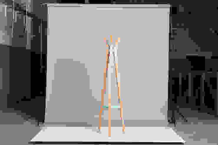 Perchero de DUCO Laboratorio de Diseño Escandinavo