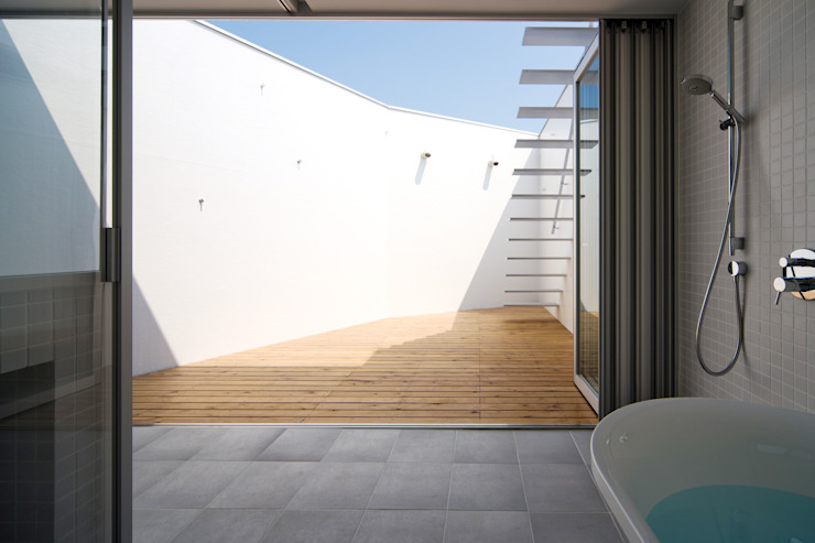 バスルーム モダンな スパ の 一級建築士事務所シンクスタジオ モダン