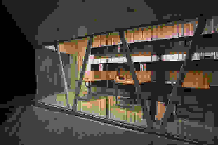 アトリエ夜景 モダンデザインの 書斎 の 一級建築士事務所シンクスタジオ モダン