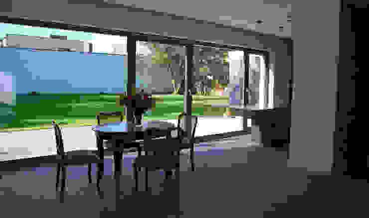 Wohnzimmer von Prodom Architektura i Konstrukcja, Modern