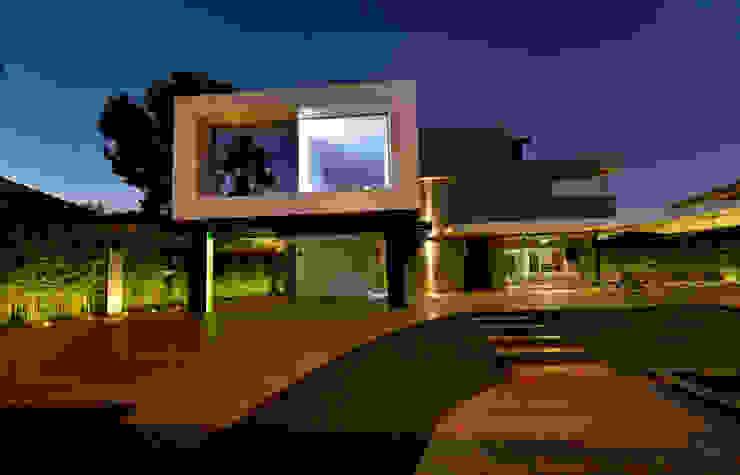 Vista exterior 3 Casas de estilo moderno de Duart-Vila Arquitectes S.L.P. Moderno