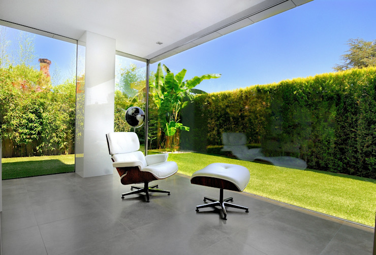 Zona de Salón con vista al jardín Salones de estilo minimalista de Duart-Vila Arquitectes S.L.P. Minimalista