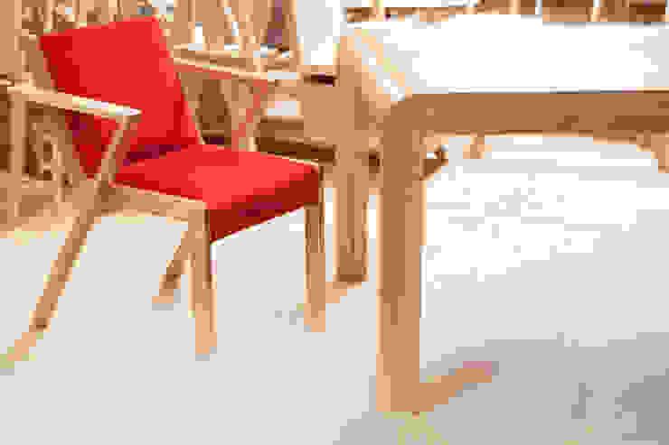 Silla Valencia : Comedores de estilo  por BLVD / Boulevard Furniture