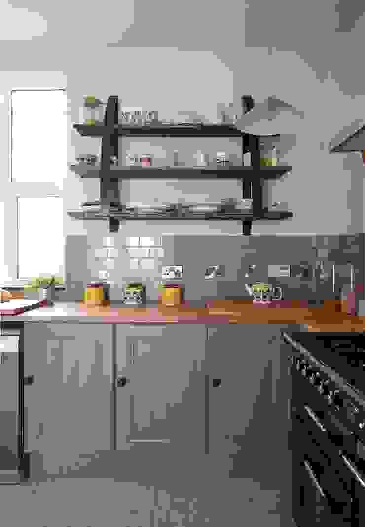 Coastal Townhouse Jude Burrows Interior Design KitchenCabinets & shelves