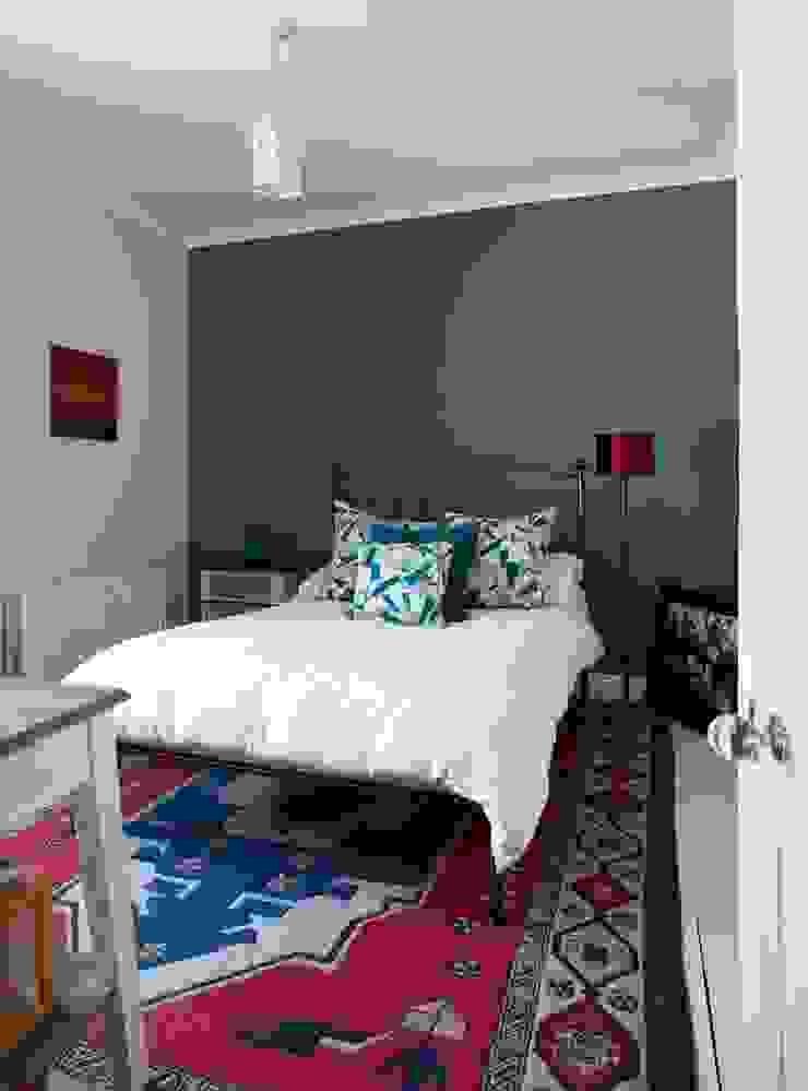 Coastal Townhouse Jude Burrows Interior Design BedroomTextiles