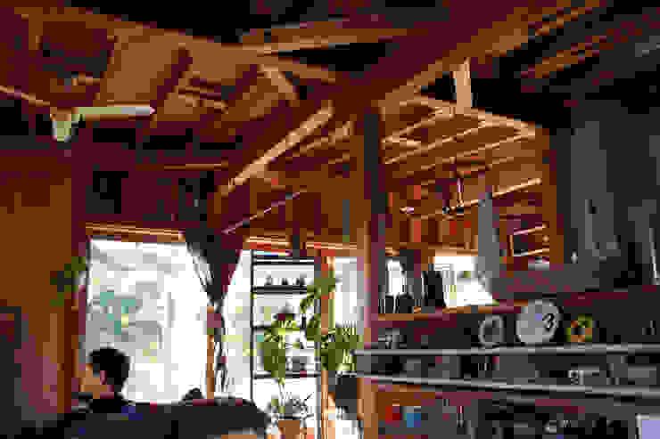 茂原の家 オリジナルな 壁&床 の 合同会社加藤哲也建築設計事務所 オリジナル