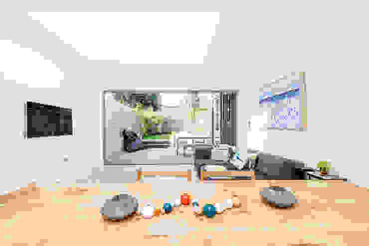 Open Floor Plan Modern living room by homify Modern