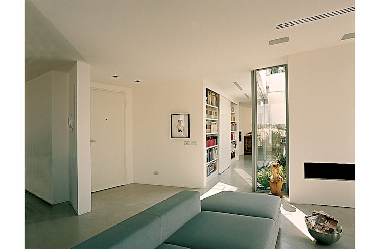 Entrance's custom made furniture Modern Corridor, Hallway and Staircase by 8&A Architetti Modern