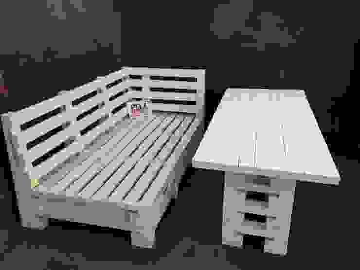 Möbel aus PALETTEN von Pelz Paletten Rustikal