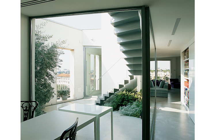 The patio Minimal style window and door by 8&A Architetti Minimalist