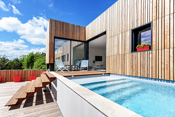 Minimalist pool by Hugues TOURNIER Architecte Minimalist