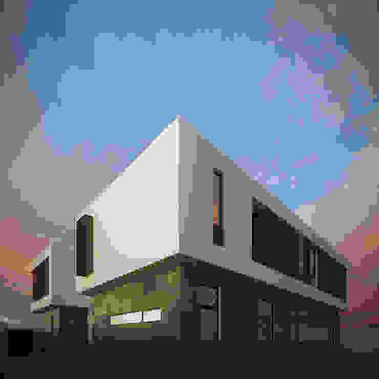 Fachada Lateral Casas minimalistas de RTstudio Minimalista