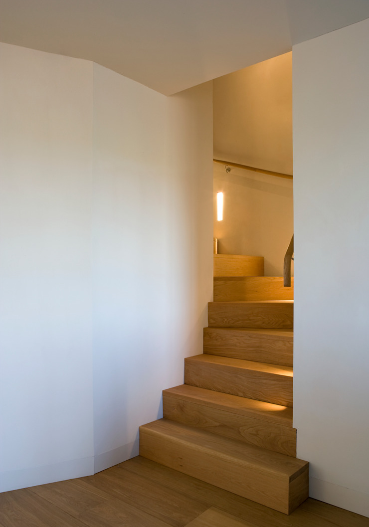 Chantry Farm Modern Corridor, Hallway and Staircase by Hudson Architects Modern