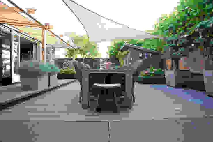 Stoere achtertuin Rustieke tuinen van Dutch Quality Gardens, Mocking Hoveniers Rustiek & Brocante