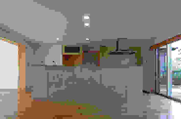 長谷雄聖建築設計事務所 Modern Kitchen