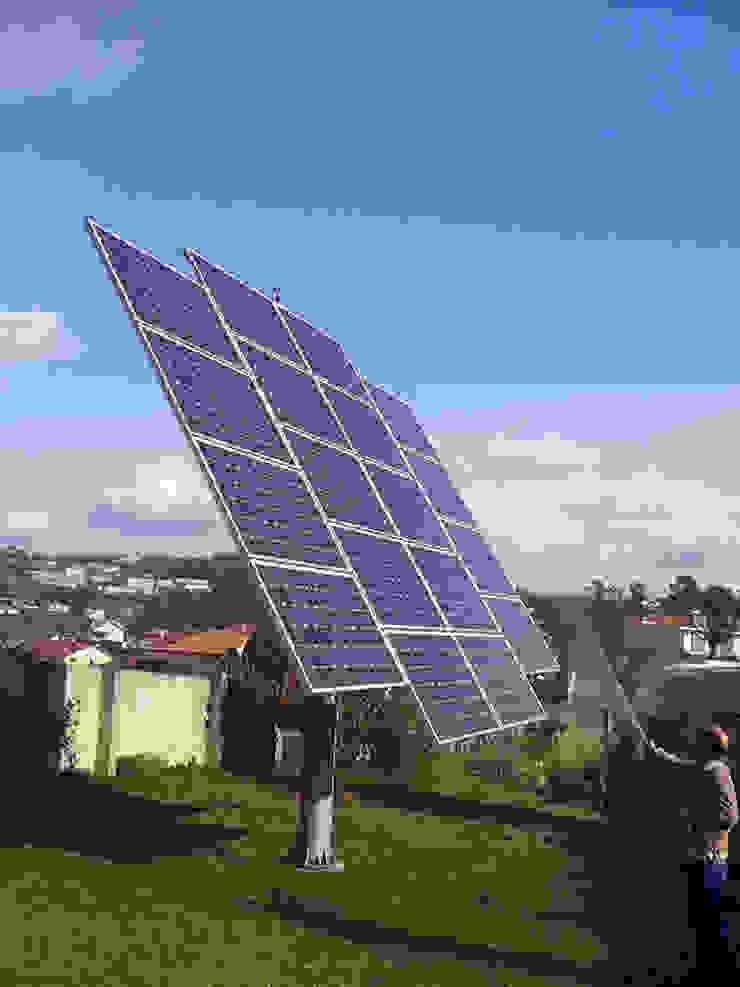 Produzir a energia para autoconsumo - uma boa ideia Casas modernas por myhomeconsultores.pt Moderno