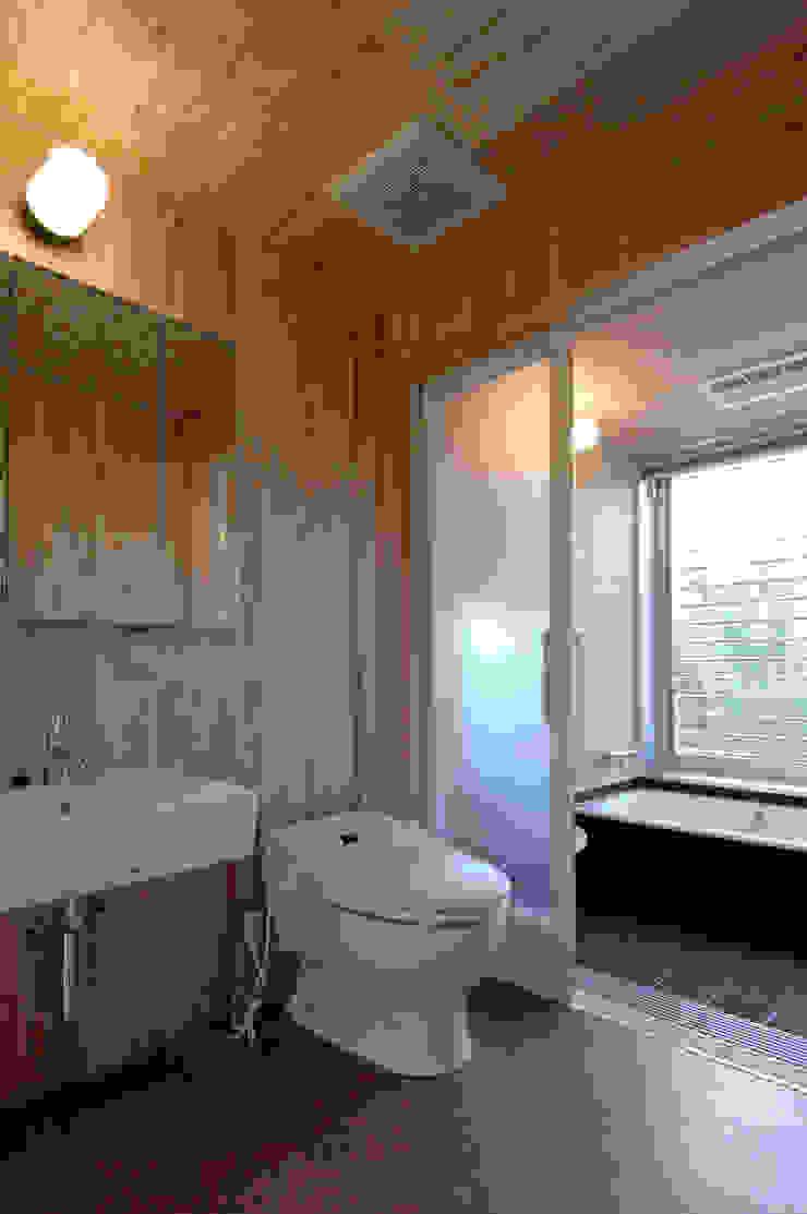 長谷雄聖建築設計事務所 Modern Bathroom